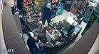 Въоръжен с пистолет ограби магазин на метри от полицията в Елин Пелин (+ВИДЕО)