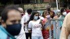Индия е ваксинирала 265 млн. души! Как се справят с пандемията?