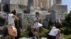 44 градуса! Адски жеги и червени кодове в Гърция, Сърбия и Италия
