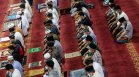Свещеният месец Рамадан настъпи за мюсюлманите в Близкия Изток