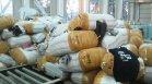 Митничари задържаха 4 тона дрехи на известни марки - имат съмнения, че са фалшиви