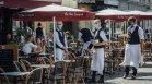 Липсата на здравен пропуск прави живота във Франция почти невъзможен