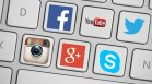 Задава се ожесточена битка: Microsoft и Apple срещу Google и Facebook