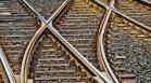 Влак отнесе кола на жп прелез край Сливен, шофьорът е загинал