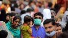 Имунизираните трябва да носят маски на места с висок процент на коронавирус