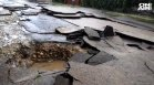 Буря изрови улици в Лом, цели квартали останаха без ток