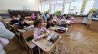 Отпускане на мерките: Отварят училищата, заведенията и магазините