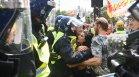 Затягане на мерките в няколко държави и протести срещу Ковид ограниченията