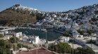 """Ковид-19 вилнее в Гърция, 13 острова са в """"тъмночервената зона"""" на ЕС"""