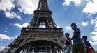 Франция забрани носенето на маски, ушити у дома
