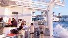 Рекорден брой новозаразени в Гърция, затварят заведения с повече клиенти