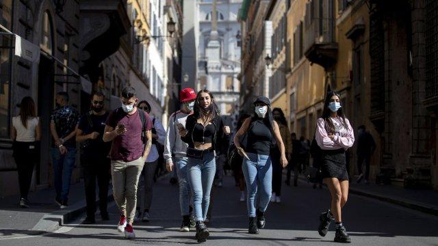 Проучване: 85% от италианците живеят в страх от Ковид-19